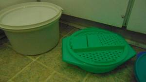 Tupperware items