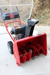 Troy-bilt Storm 24 inch SnowBlower - Electric Start