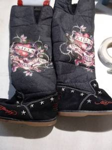 Ed Hardy Size 9 Boots