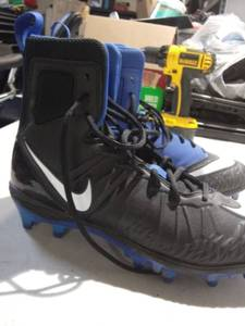 Nike Size 10.5 Cleats