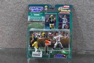 Starting Lineup Brett Favre and Drew Bledsoe Classic Doubles Green Bay Packers and New England Patriots Figurines and Cards Collectibles -WILL SHIP