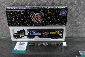ERTL Die Cast Toy White Rose Collectibles New Orleans Super Bowl XXXI Semi Truck & Trailer Green Bay Packers NFL Limited Edition of 1,000 - WILL SHIP