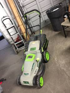 "Lawnmaster 18"" 3 n 1 Lawnmower"