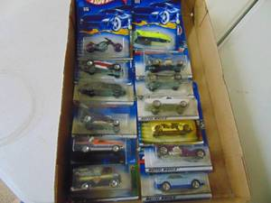 13 HotWheels Cars