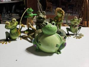 Lot of Frogs Decor -Garden Art -8 Pieces