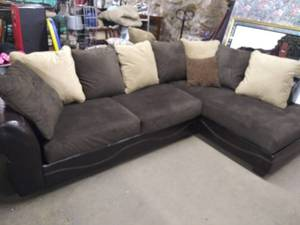 Nice 2 Piece L shaped Sectional