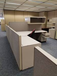 |||||Build an Office|||||Steelcase Cubicles, Metal Bookshelves, Lateral Cabinets, Walls, Clocks, Carpet Tile, Mini Blinds, Partitions, Filing Cabinets, Drop Lighting, Ceiling Tiles