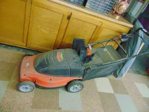 Black and Decker - Electric Lawnmower