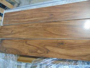 "6""X 36"" WOOD LOOK FLOOR TILE"