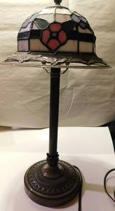 Tiffany type table lamp