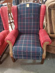 Navy Blue/ Red Plaid Kick Back Recliner-Smoke Free -Pet Free Home -