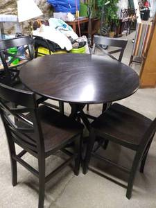 Beautiful Round Pub Height Table with 4 Chairs