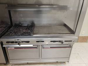 Garland 4 burner, 36 inch griddle with convection oven natural gas
