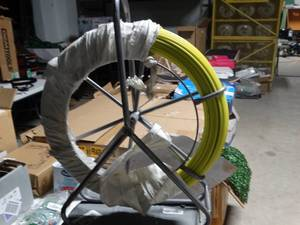 ECO-WORTHY Fish Tape Continuous Fiberglass Wire Cable Running with Cage Wheel Stand