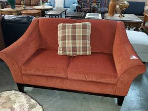 Burgandy Better Homes Loveseat (Smoke Free/ Pet Free)