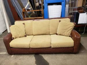 Nice Brown Leather/Microfiber Cushions Couch with Throw Pillows