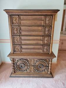 Antique Chest of Drawers -Dovetail Drawers