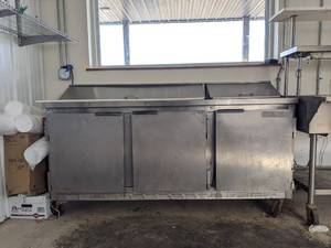 Beverage-Air Refrigerated Prep Table SUR72-18