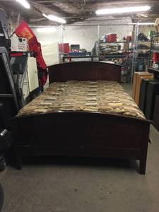 Nice Wood Queen Size Bed