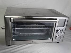 EMERIL LAGASSE TOEASTER OVEN 1500 WATT 120 VOLT 60 HZ (PLUGGED-IN POWERS ON)