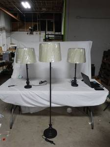 Set of 3 Matching Lamps , tested and working