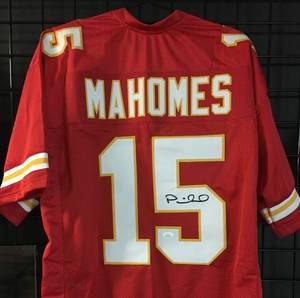 Signed Patrick Mahomes #15 Kansas City Chiefs Custom Football Jersey w/James Spence WITNESSED Authentication
