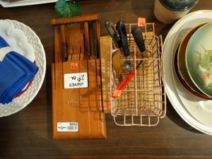 Knife block, Wooden Cutting Board and assorted knives