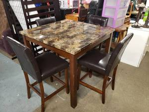 Nice Faux Marble Top Pub Height Table with 4 Chairs
