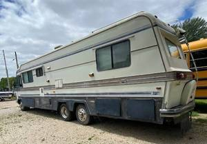 1989 Imperial Holiday Motor Home with Title - Watch VIDEO!