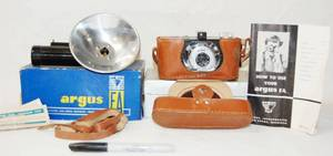 Vintage Argus Camera, w/ Extra Accessories - wow!