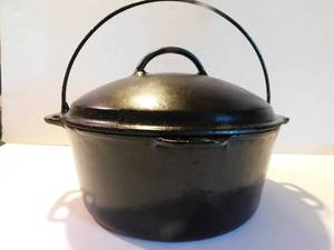 Cast Iron Kettle w/Lid