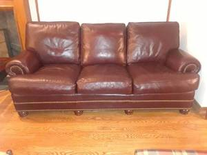 HANCOCK AND MOORE BROWN LEATHER COUCH