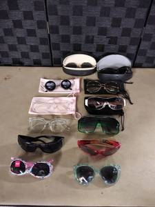 Nice Lot of Sunglasses