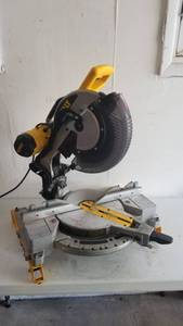 "Dewalt 12"" Compound Miter Saw Model DW716"