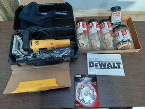 Dewalt DW682 Plate Joiner with Biscuits