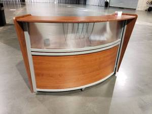 Curved hostess checkout stand