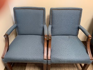 Set of 2 rolling chairs 36 in.
