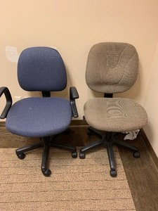 Set of 2 rolling chairs 38 in.