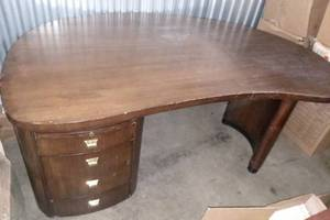 Wood Curved 3 Drawer Desk 28 x 69 x 41 in