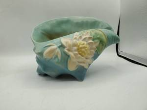 Roseville USA large blue Water Lily Sea Shell Planter