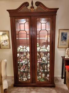Double Door Mahogany Lighted 6 Tier Glass Shelf Display Cabinet - 2 Keys - CONTENTS NOT INCLUDED