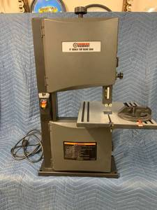 Central Machinery 9in Bench Top Band Saw with Miter Gauge - Works - Used, Like New
