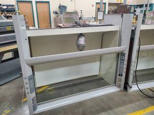LABCONCO Fume Hood, Voltage 100-115V, 50/60 Hz * In Very Good and Working Condition!