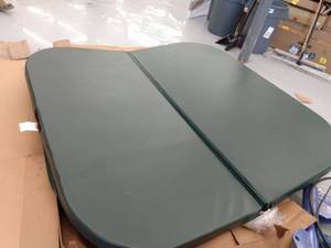 "Hot Tub Cover 84""x84"", Color: Hunter Green MISSING HARDWARE"