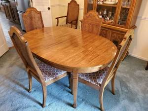 Walter of Wabash Dinning Room Table - 6 Cane Back Chairs - 2 Leafs and CUSTOM Table Top Pad