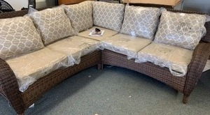 Beacob Park Toffee Sectional (matches lots 6016, 6017, 6018) - RETAILS $800