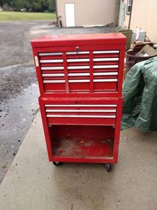 two piece tool box missing door bottom box has key top box
