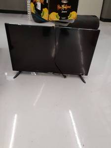 "32"" Element Flat Screen TV, Turns On, NO REMOTE"
