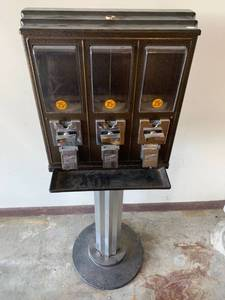 Northwestern Triple Gumball Vending Machine No Key Location Garage