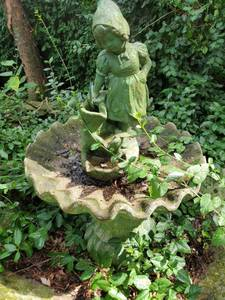 concrete Bird Bath with Little Girl on Top. 3 Pieces. Remove by your own Means